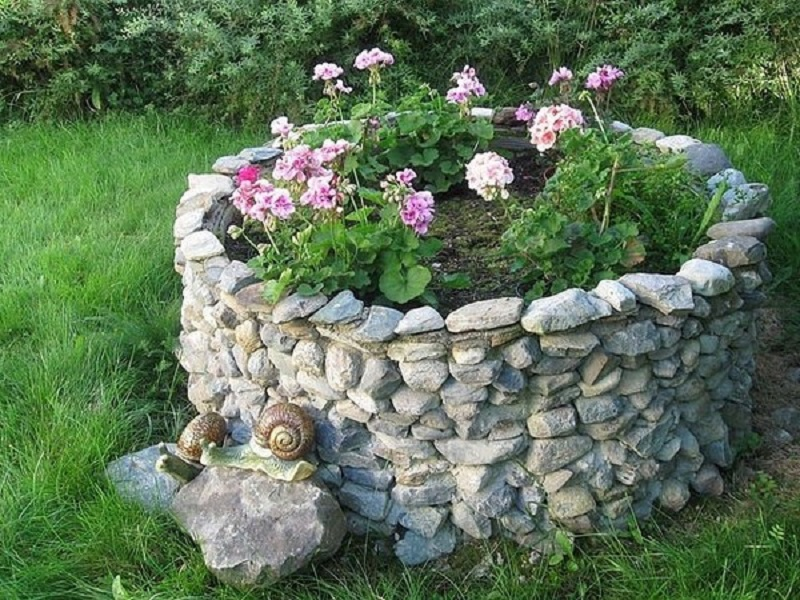 бордюр для клумбы из камней