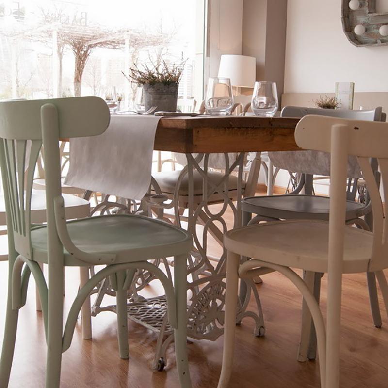 функциональный кухонный стол