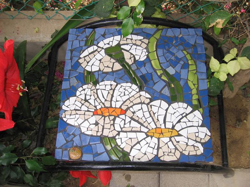 самодельная мозаика из плитки