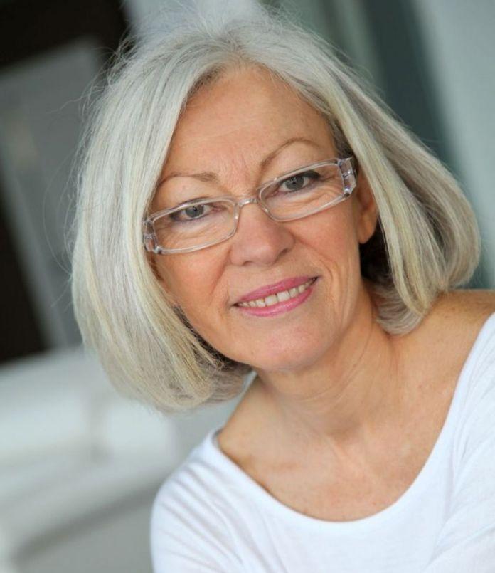 intalni i femeile de 50 de ani Dating Woman Online Gratuit