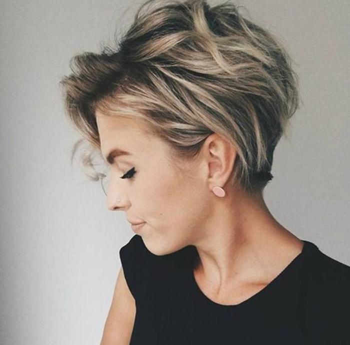 20 Cele Mai Elegante Tunsori Pentru Femeile Trecute De 40