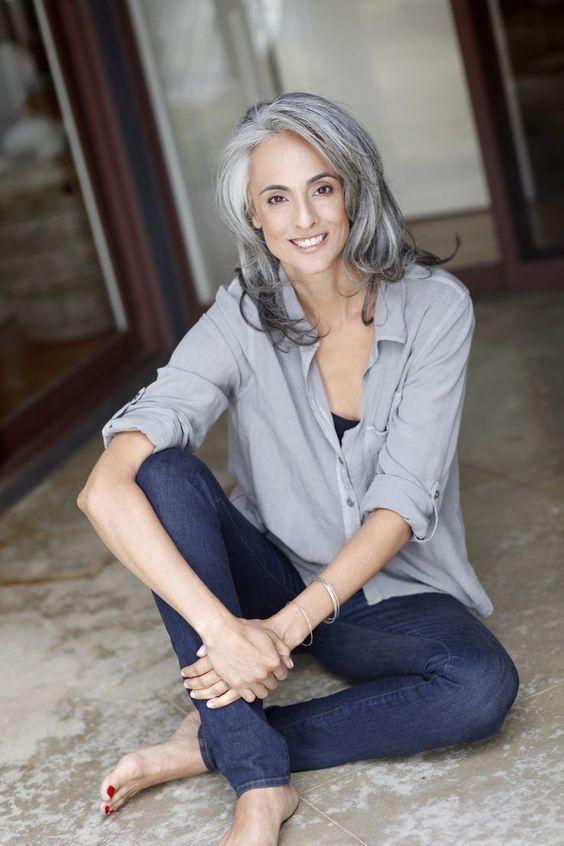 Poți fi o femeie stilată și la 50 de ani. Iata cum să faci acest lucru 9